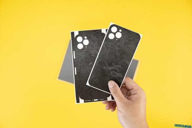 iPhone 12 系列賣太夯!貼膜製造商搶推「機膚」隨處自己貼 | 華視市場快訊